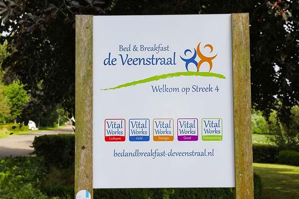 B&B-Drenthe-Gieterveen-De-Veenstraal-bord