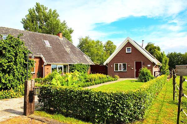 B&B-Drenthe-Gieterveen-De-Veenstraal-liggend-2